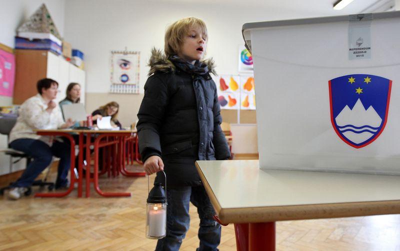 Referendum o izenačitvi pravic vseh parov Preska 20.12.2015 [referendum,družina]